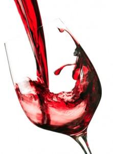 Kozarec rdečega vina si lahko tu in tam brez slabe vesti privoščimo, saj pozitivno vpliva na naše zdravje.